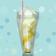 Beijo Frio - CHUVISCO <br/> 2 bolas de sorvete de côco com guaraná lata.